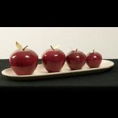 Rote Äpfel auf Teller oval